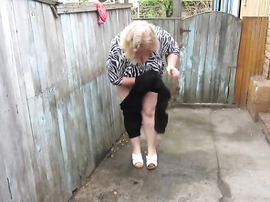 Pissing Standing very Plump Mommy FAT