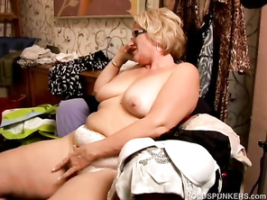 Sexy Huge Belly Mommy FATTY Loves to Play with her Juicy Cunt