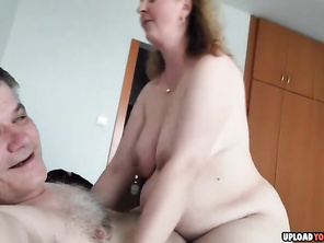 Bbw Gf Couple Fucking on the Bed