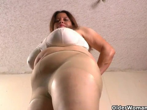 Latina FATTY Karina Gets off in her Nylon Pantyhose