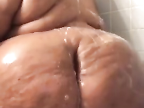 SEXY SSBW SHOWER TEASER