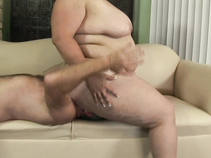 She has a perfect chubby girl body, and so cute