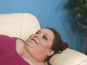 Anna Paige is a giant woman with lots of fleshy folds to explore.