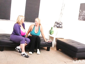 Gigantic Samantha 38g and built blonde Samantha Silver twiddle and lick each others' nipples as they smear their snatches together.