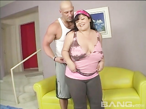 Kelly Shibari is so horny, she calls a masseuse to come to her house and give her a massage.